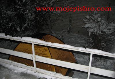 خوابیدن در منفی ۱۰ درجه بر روی برف