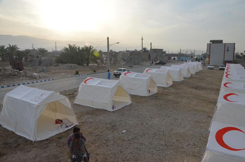 جمع اوری کمکهای نقدی برای زلزله زدگان بوشهر