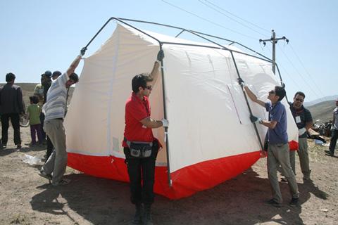 ارزیابی عملکرد مدیریت بحران در تامین سرپناه اضطراری ( مطالعه موردی منطقه ورزقان – زلزله آذربایجان)