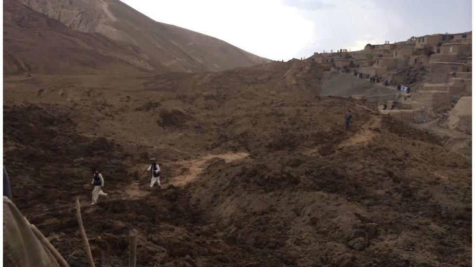 شمار کشتهشدگان رانش زمین در بدخشان به ۲۵۰۰ نفر رسید